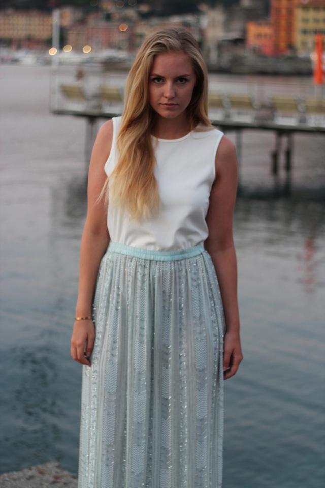 Vintage skirt and crisp white