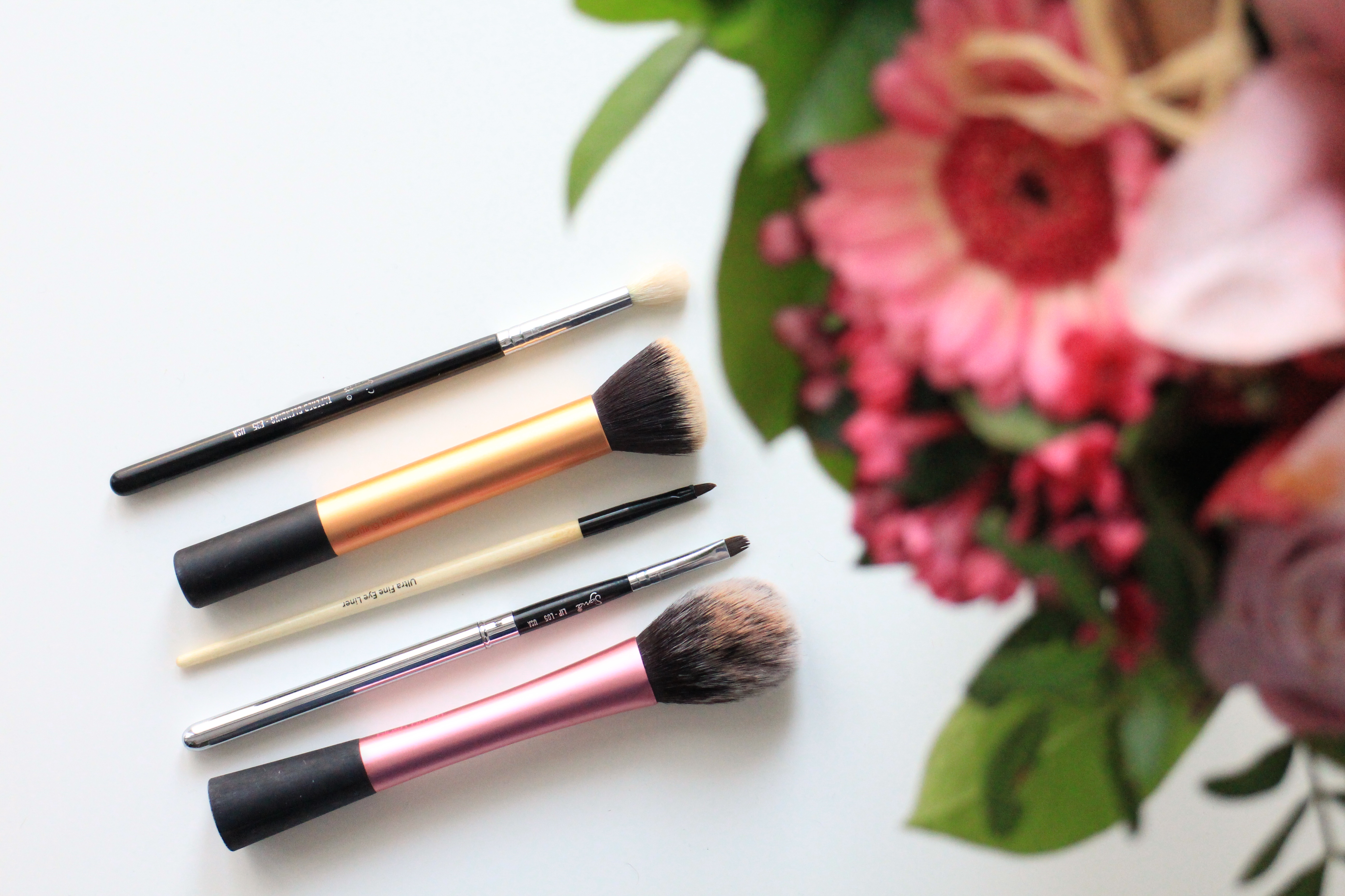 5 makeup brushes you need