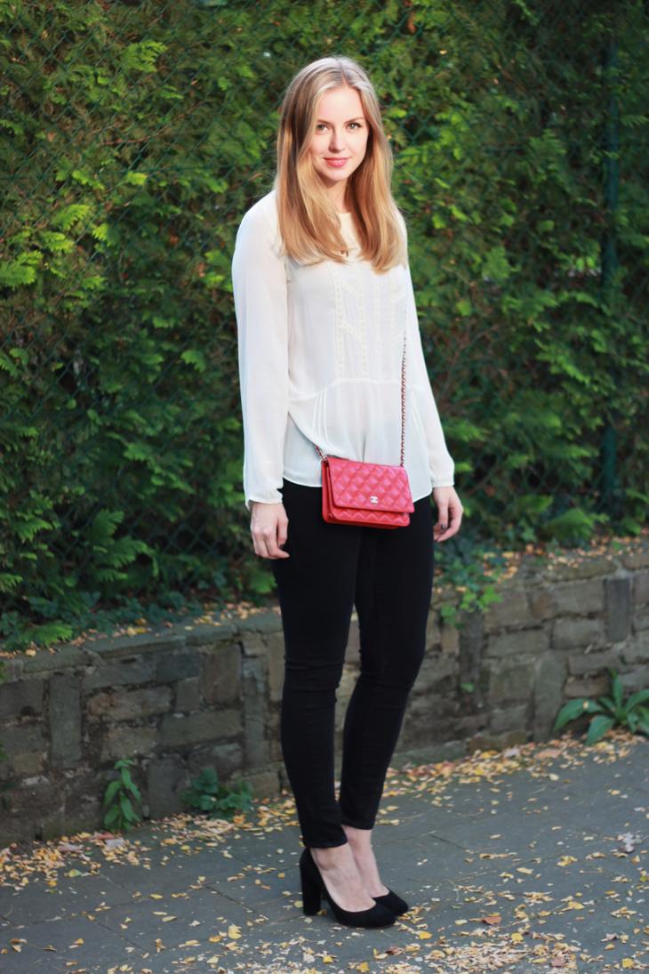 red, white & black /// Axelle Blanpain /// Style playground