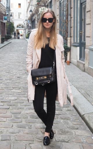 Trench coat in Paris