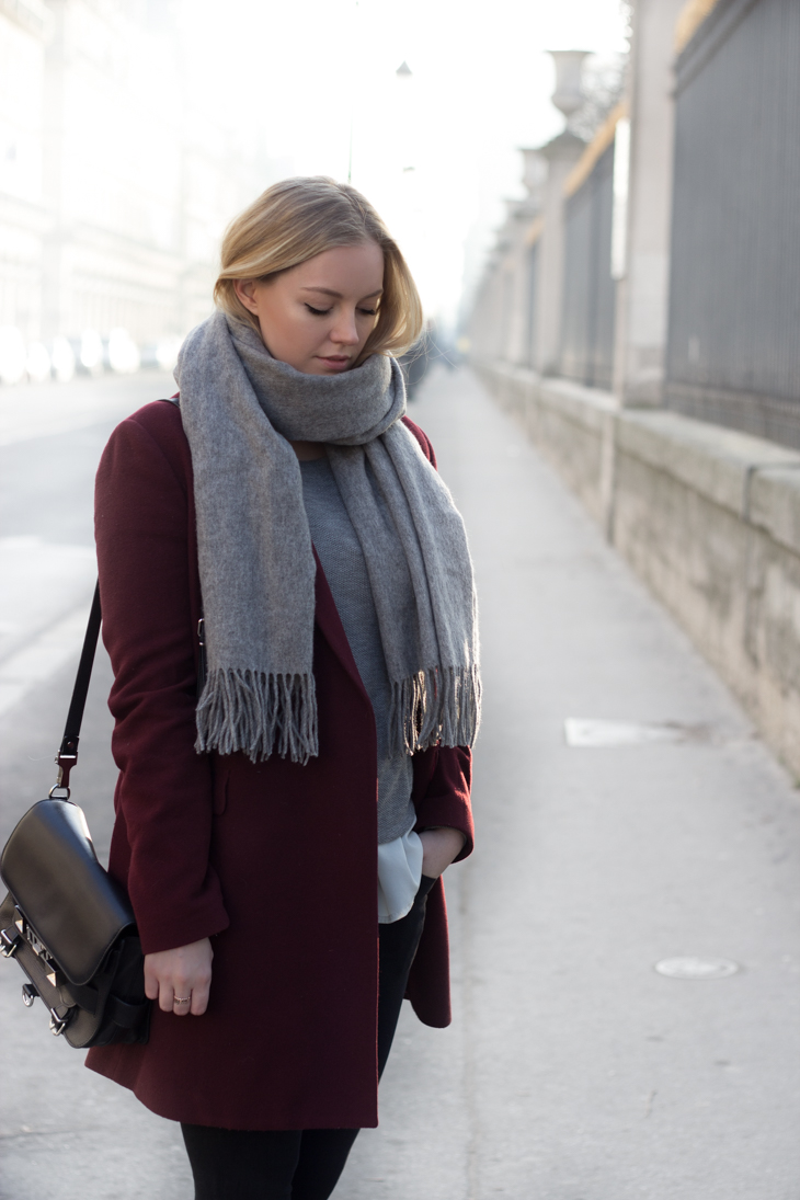 www.styleplayground.com /// Casual in Paris