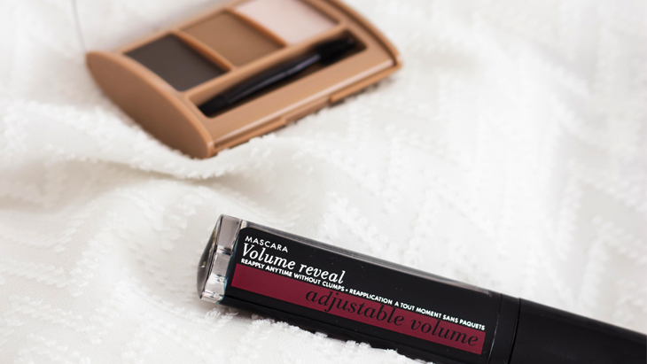 A simple eye look with Bourjois